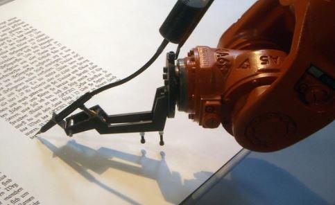 robot escritor con Inteligencia Artificial