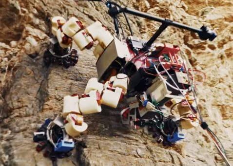 El astromóvil Lemur, cuenta con falanges para subir montañas de Marte