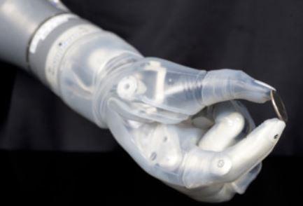 La extremidad robótica Luke Arm en honor al protagonista de La Guerra de las Galaxias