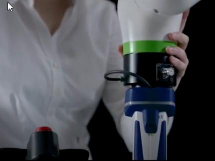 El nuevo brazo robótico de Fanuc, resalta por ser más compacto que su antecesor